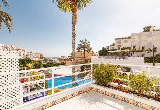 Villa in Nerja - Spacious villa with terrace and communal pool in Nerja Refugio