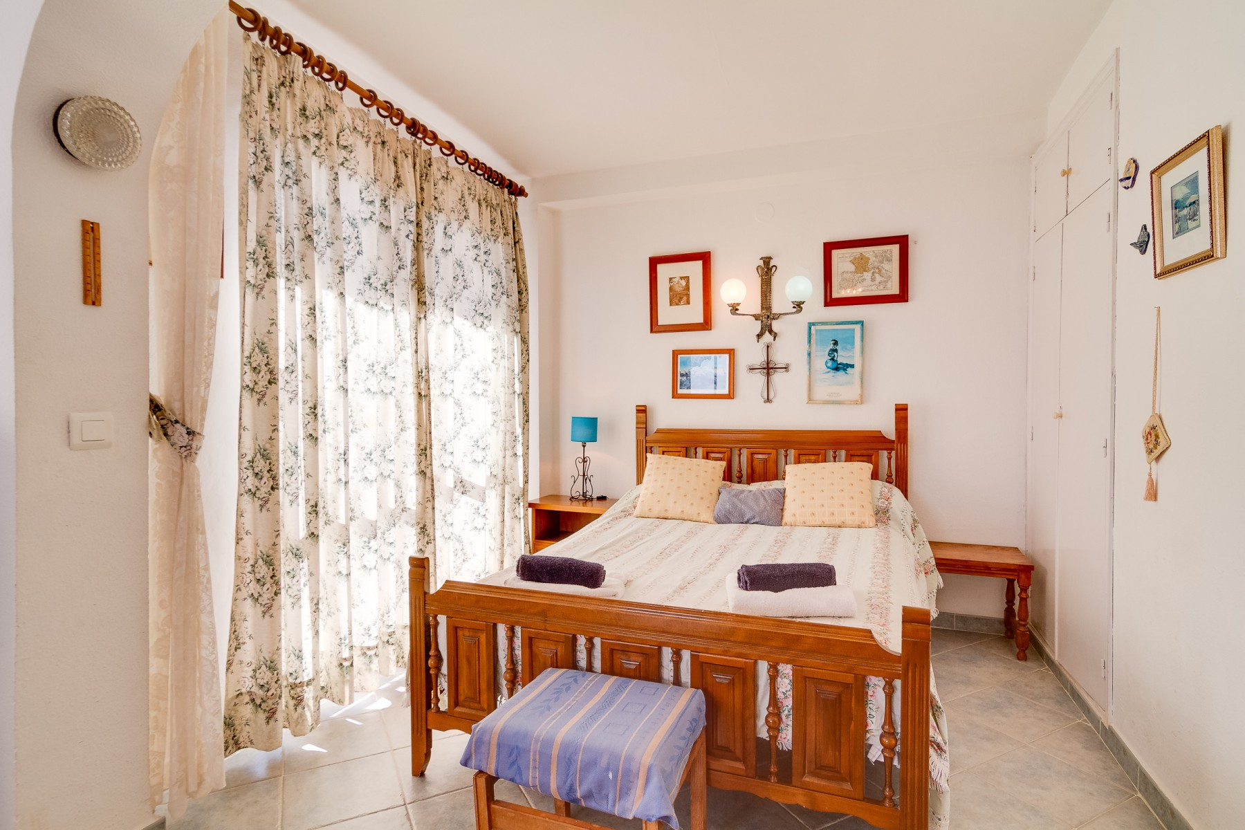 Holiday Rentals apartment facing the sea in Nerja