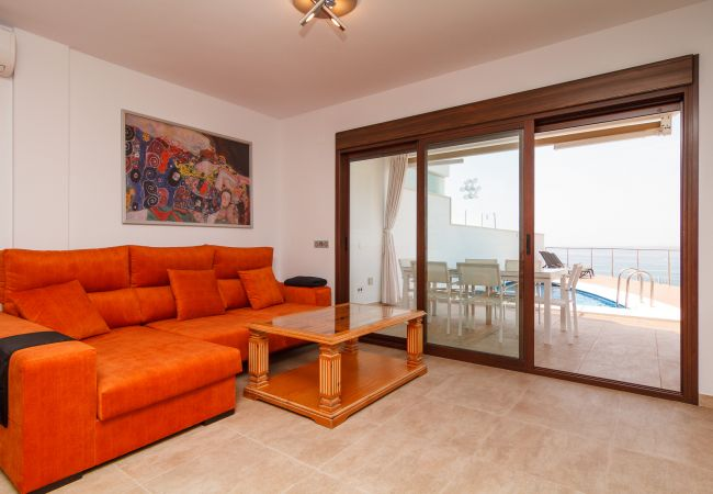Villa in Torrox Costa - Luxury villa with WiFi and private pool - Las Luisas 1