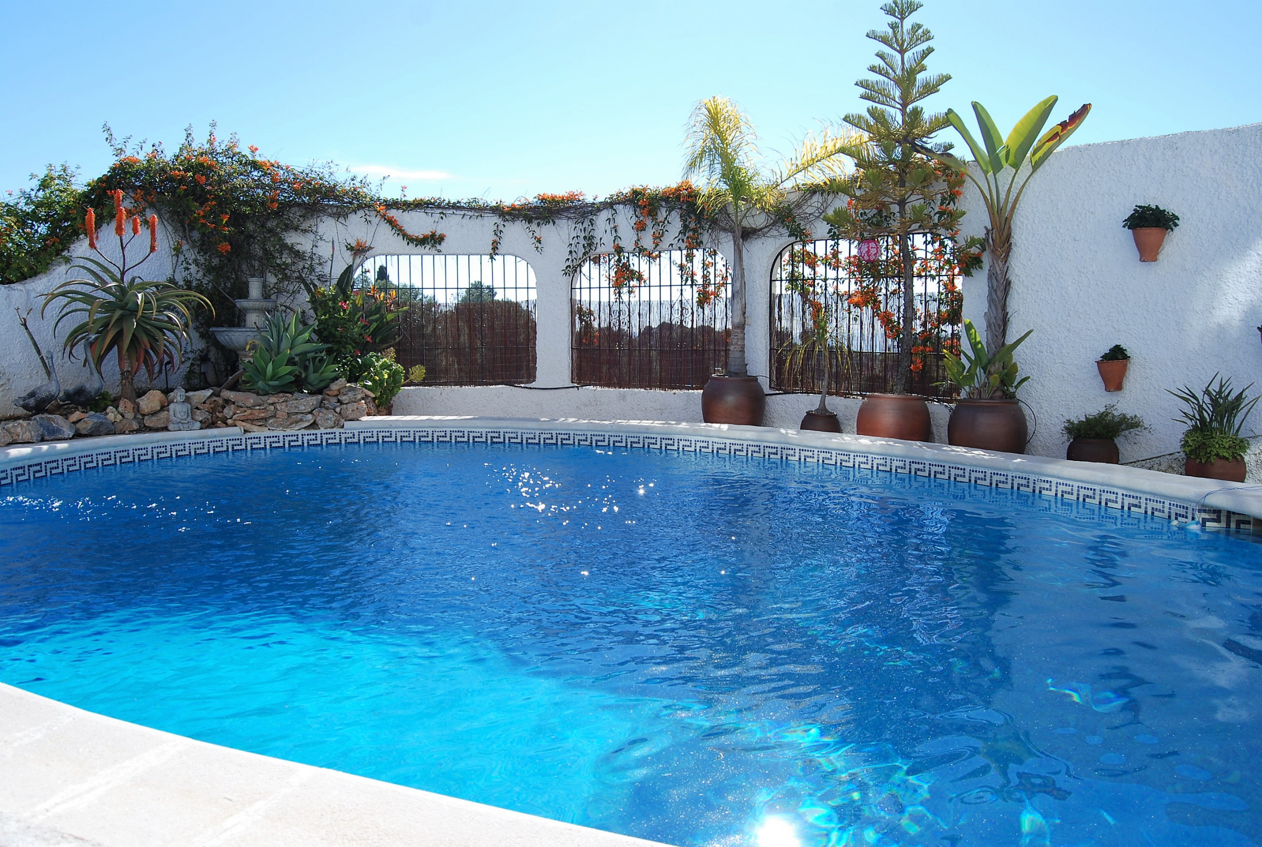 Holiday apartment with private swimming pool | NERJA