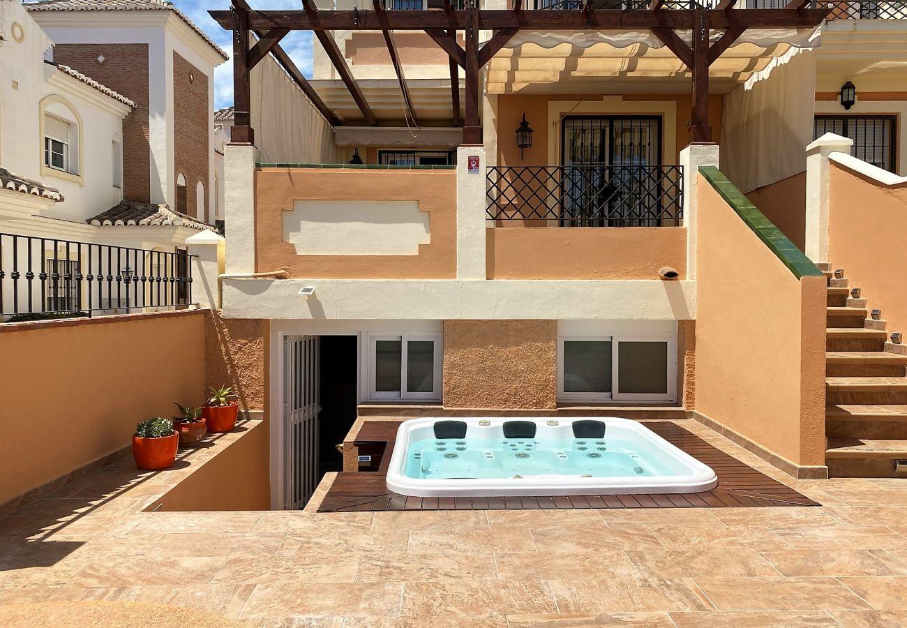 Villa in Nerja - Villa Jacuzzi Noria Casasol